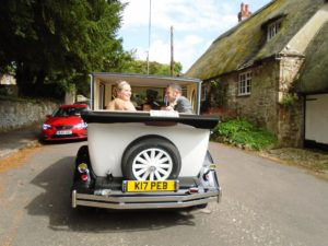 Louise & Scott at Chiseldon Church